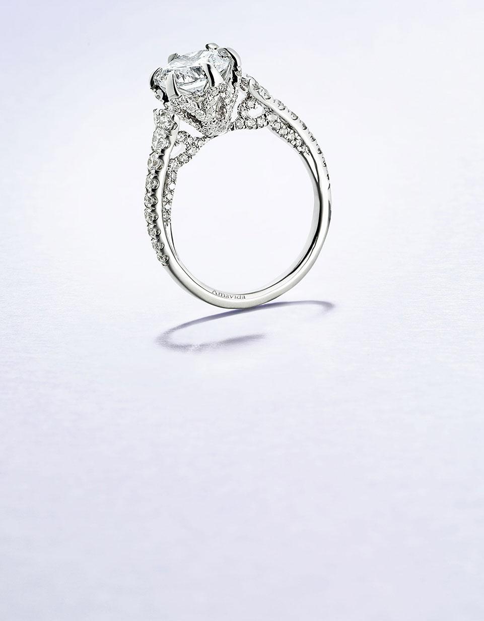 AMAVIDA Bridal Collection