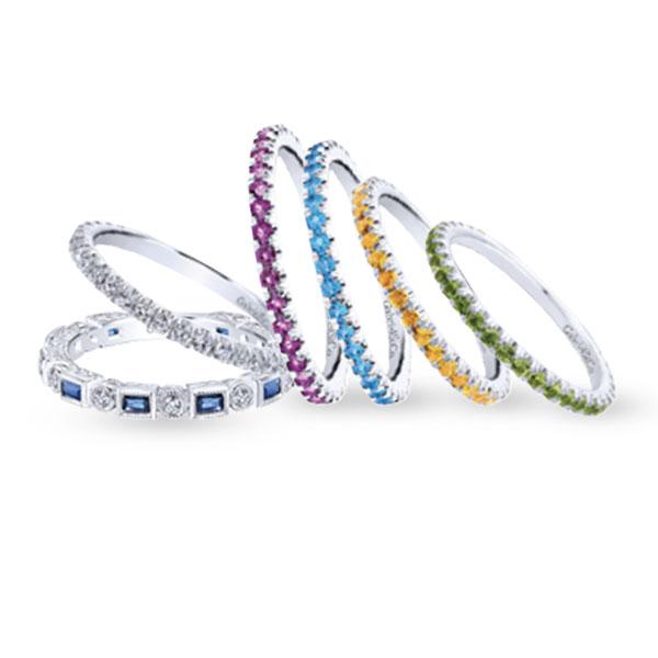 silver-diamond-necklace